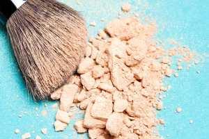 11-sloppy-makeup-face-powder