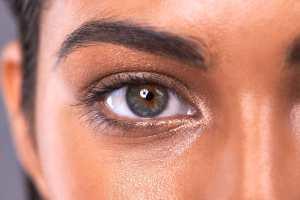 12-sloppy-makeup-eyebrow
